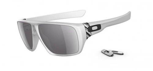 Oakley Sunglasses Matte White / Grey OO9090-03